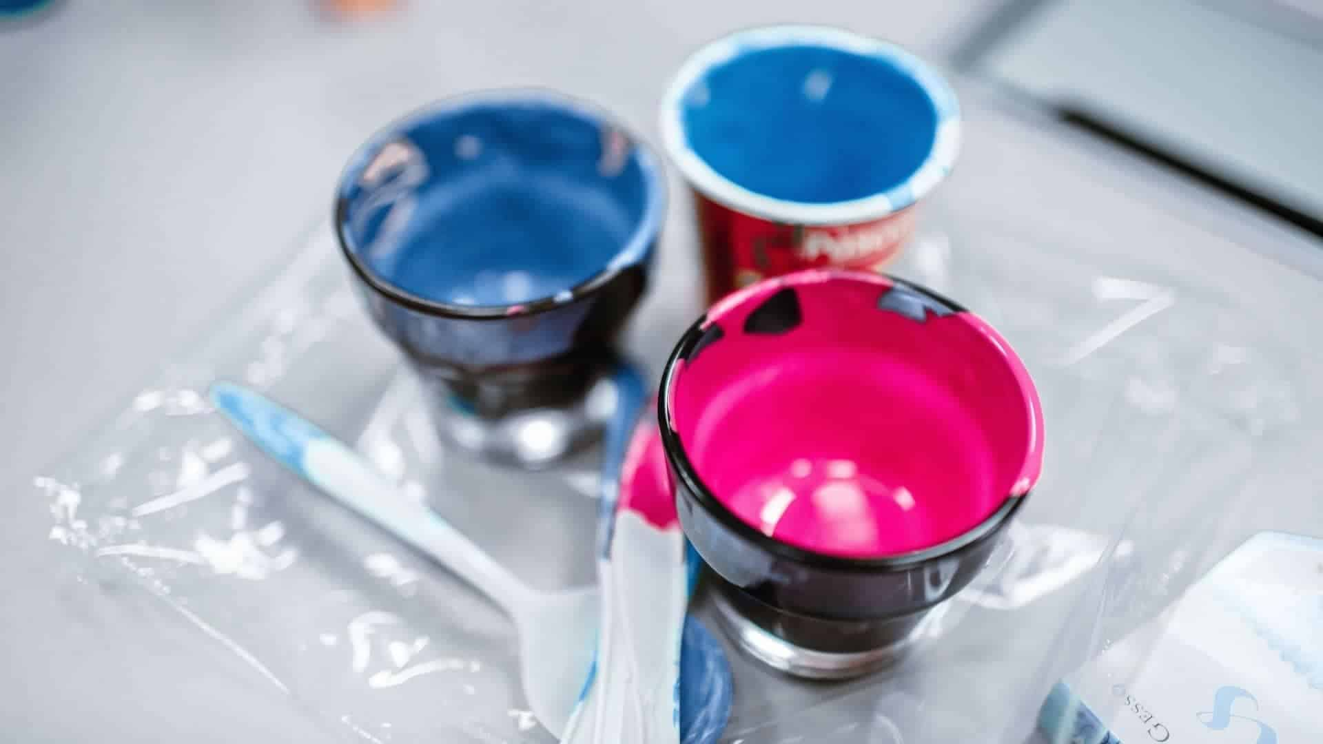 how to make acrylic paint look glossy