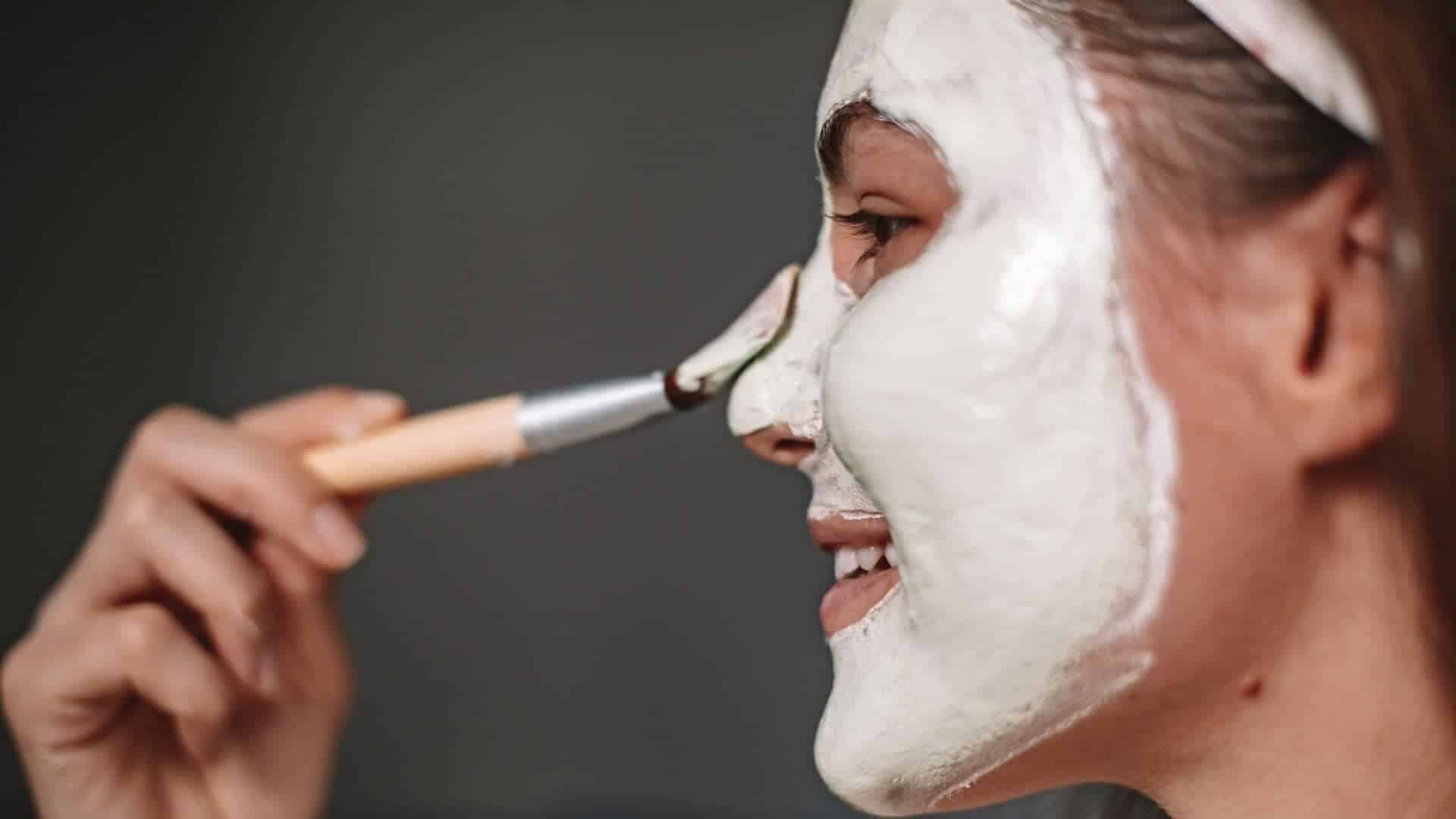 How To Apply White Face Paint Evenly